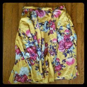 Size medium ModCloth yellow floral circle skirt